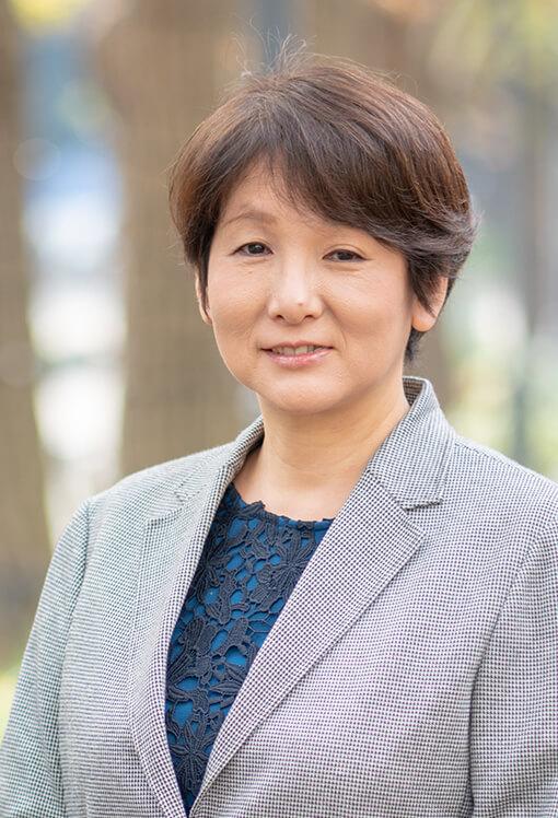 スタッフ 谷島 純子(やじま じゅんこ)
